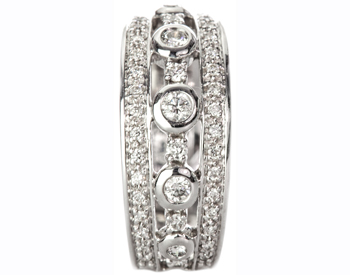 14K WHITE GOLD 3 ROW ROUND DIAMOND CENTER AND PAVE DIAMOND EDGE BAND