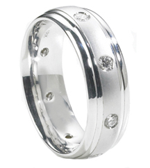 GENTLEMAN'S 18K WHITE GOLD 8MM SATIN CENTER AND ROUND BURNISH SET DIAMOND BAND
