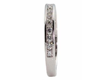 14K WHITE GOLD CHANNEL SET ROUND DIAMOND BAND