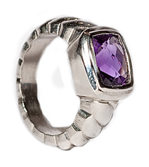 SILVER 9X7 AMETHYST CUSHION RING